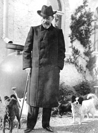 Anton Chekhov with his dogs at his cottage in Yalta, 1903 (SCRSS Photo Library)